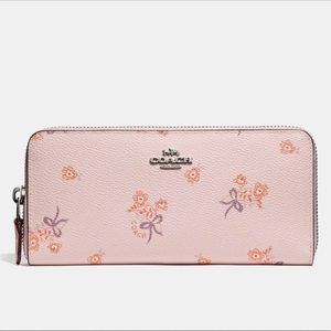 NWT COACH F29993 slim accordion zip floral bow